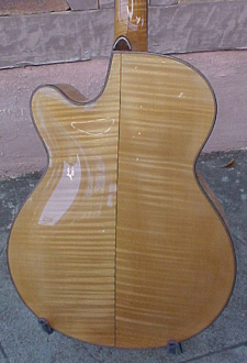 archback2-Guitar-Luthier-LuthierDB-Image-16