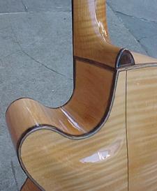archback_cut_o-Guitar-Luthier-LuthierDB-Image-17